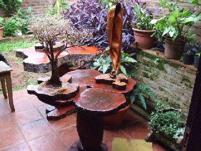 mesas de troncos naturales