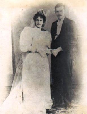 Don Ramón Morales Robleto y doña Salvadora Bolaños Morales el dia de su boda Granada 1850